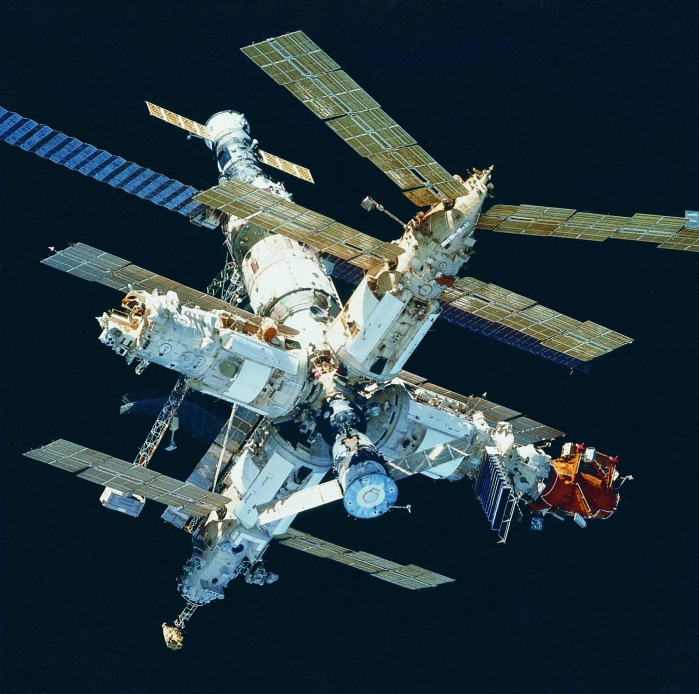 Estação espacial MIR que funcionou até 2001,de propriedade Russa.