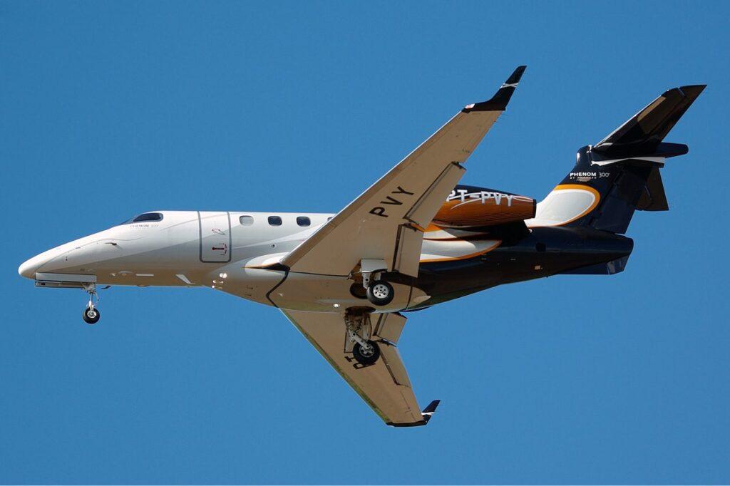 Embraer_505_Phenom_300_DRW_Butler