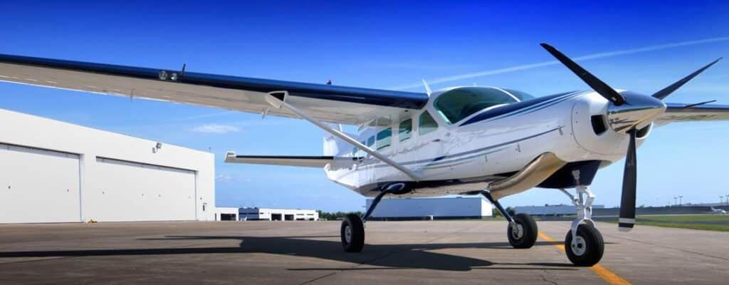 Cessna Caravan com seu esquema de braço de torção no trem de pouso principal.