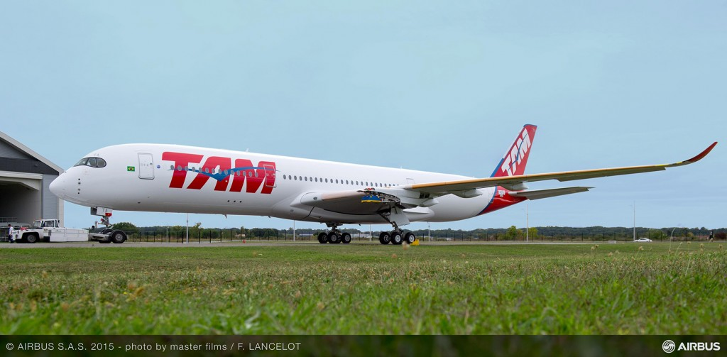 A350_XWB_TAM_rolls_out_of_painthall_2