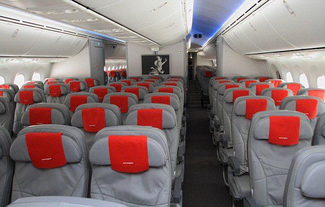 Interior do 787 da Norwegian