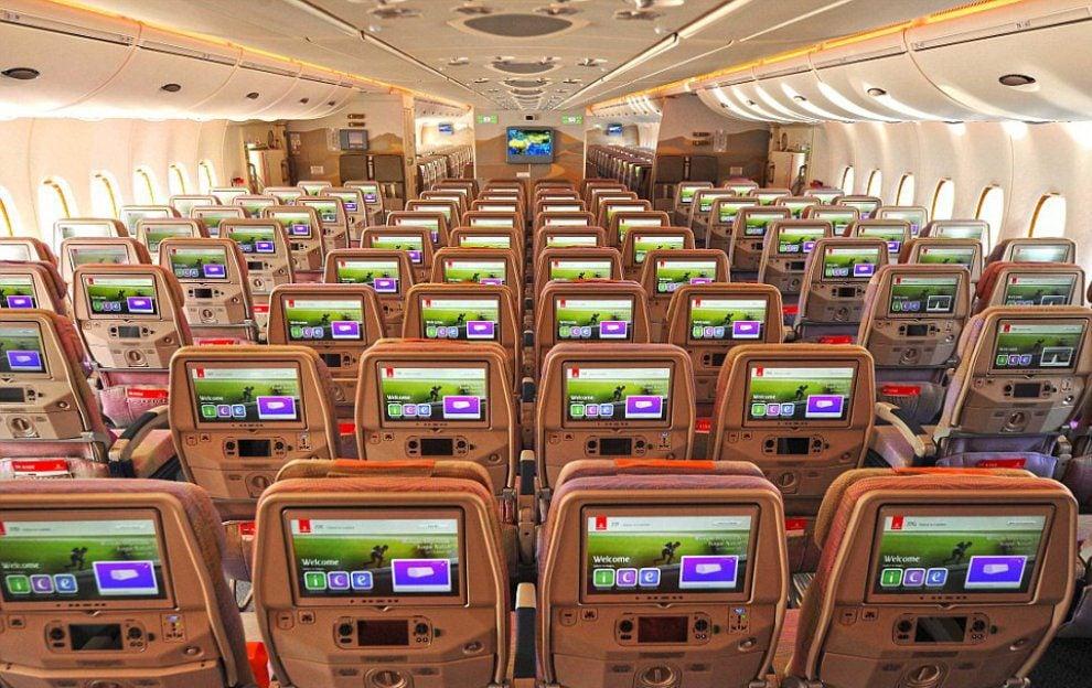 Classe econômica do A380 Dual Class da Emirates. Foto – Emirates