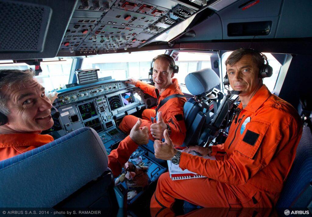 Pilotos de teste no primeiro voo do A320neo.