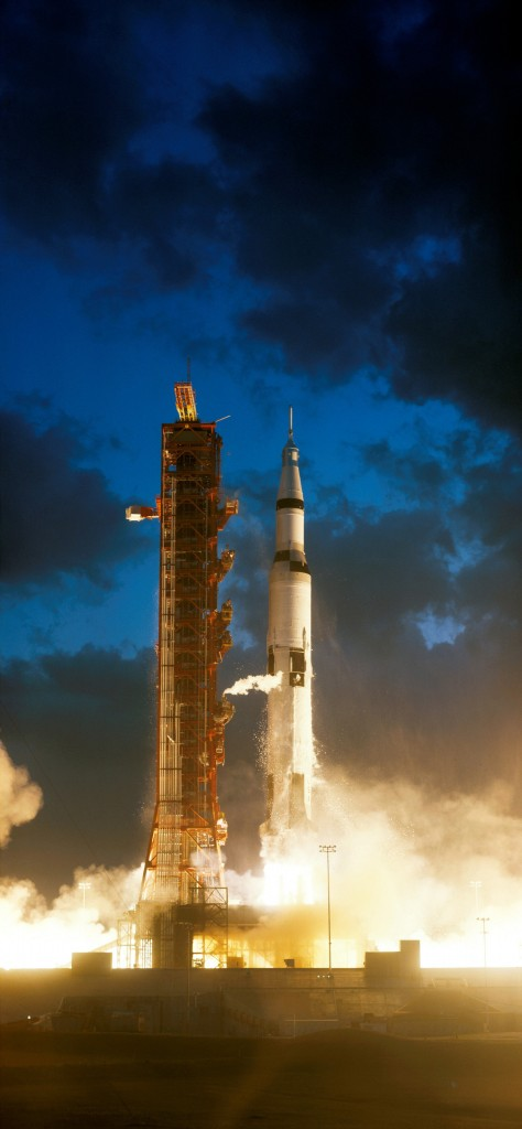 Apollo_4_liftoff_-_GPN-2006-000038