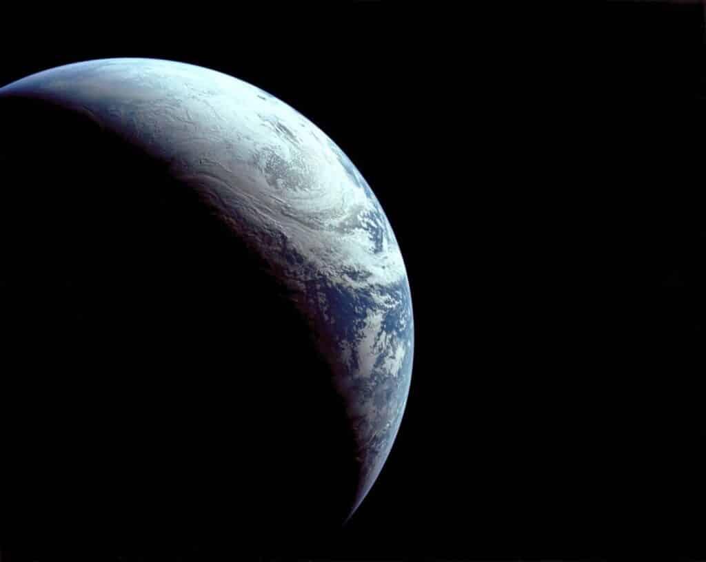 Vista da Terra a partir da Apollo 4.