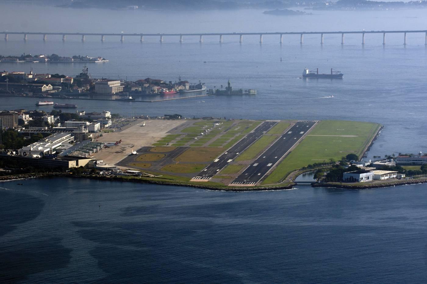 Resultado de imagen para decolagem Aeroporto Santos Dumont