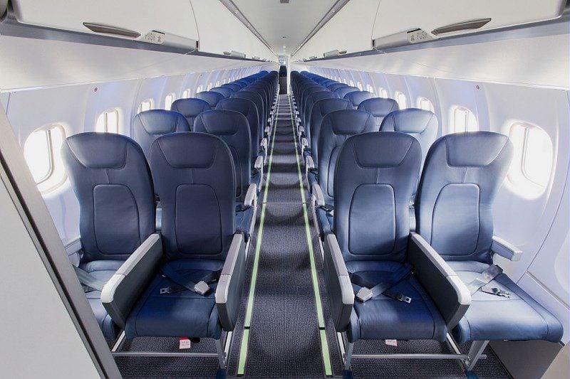 Interior do ATR 72-600 da HOP!, a companhia aérea regional da Air France.