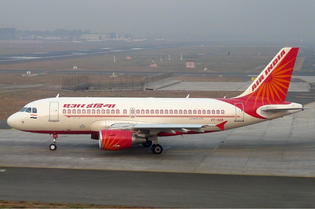 Air_India_Airbus_A319-112_SDS-1