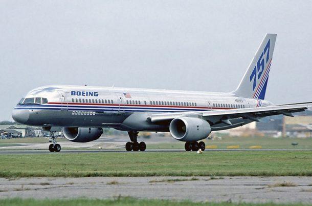 Problemas Sony SLV 656 Boeing-757-debuts-Farnborough-1983-610x402-1
