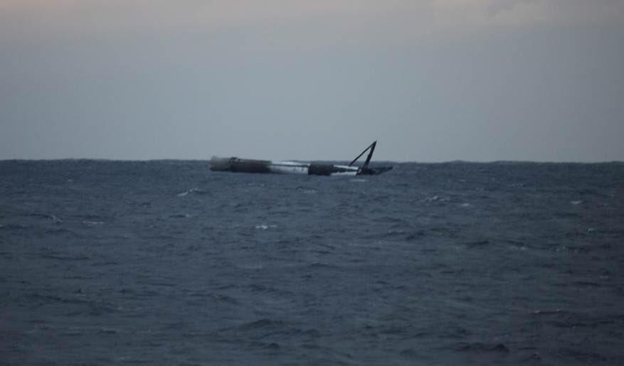 Foguetão Falcon Heavy parte para o espaço com automóvel a bordo