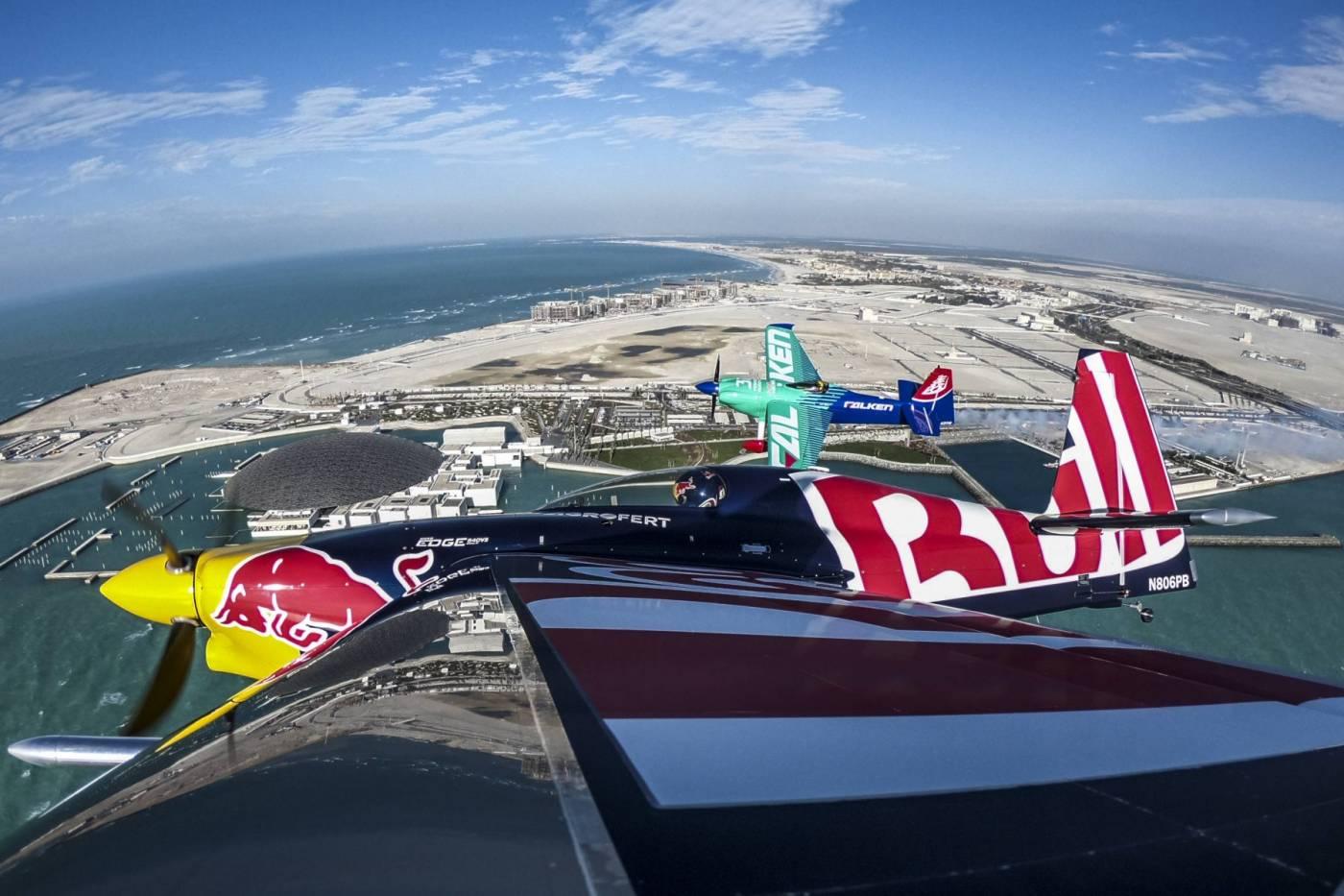 Veja Ao Vivo - Primeira etapa do Red Bull Air Race acontece nos dias