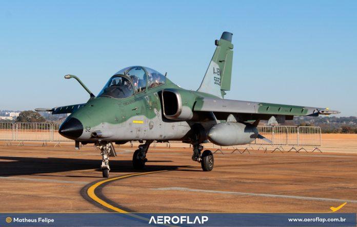 Aviação da Caça AMX Leonardo