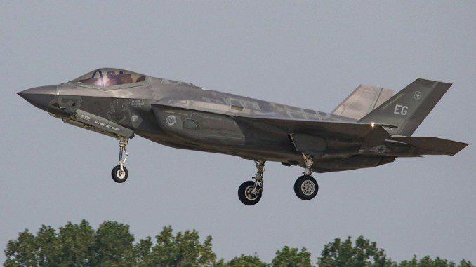 Caça F-35A da USAF cai no Estado da Flórida, somando assim o ...