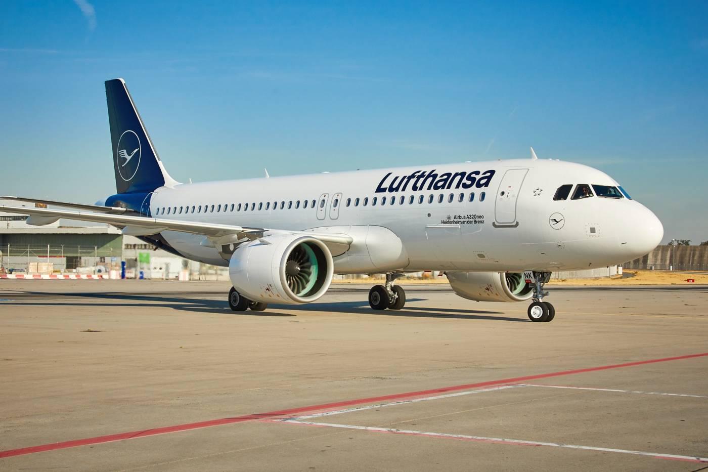 Lufthansa Airbus A320neo voo