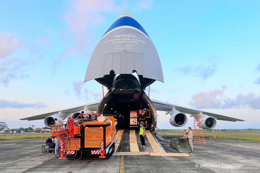 Antonov Airlines AN-124 Carga