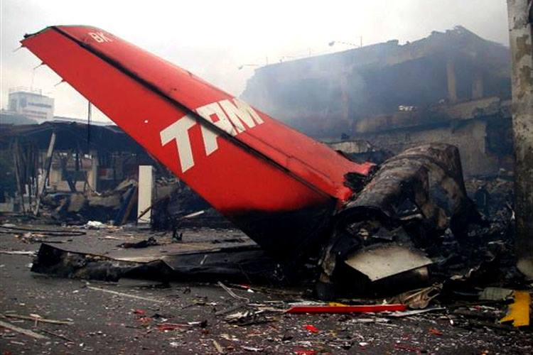 TAM 3054 Airbus A320
